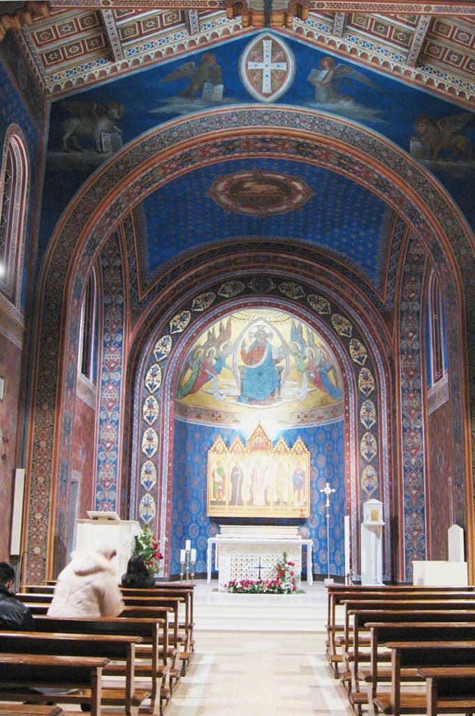 Interno chiesa di San Costanzo Perugia