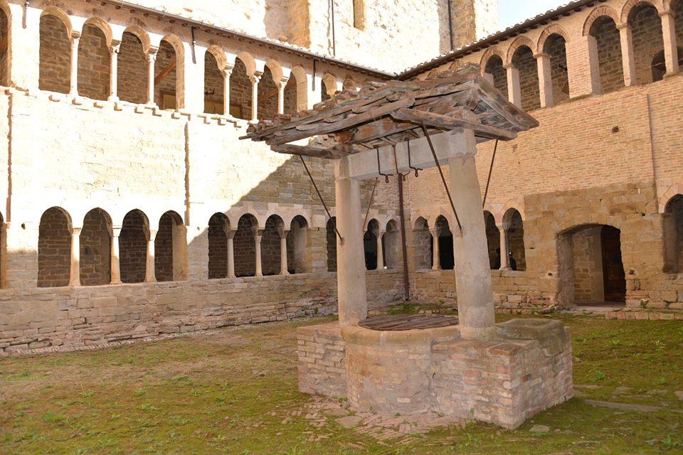 chiostro abbazia Montelabate perugia