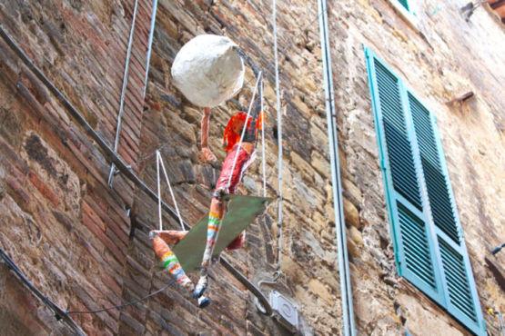 Scultura in Via della Viola Perugia