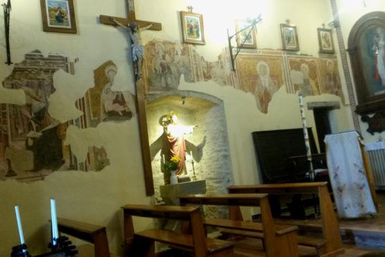 Interno Chiesa S.Michele Arcangelo a Giomici