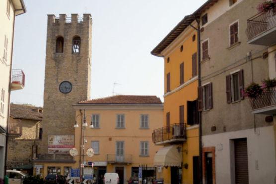 Veduta della torre del borgo di Valfabbrica