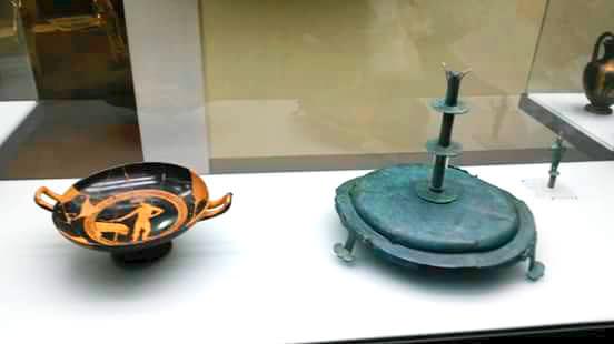 Kottabos - resti del gioco Museo archeologico Perugia