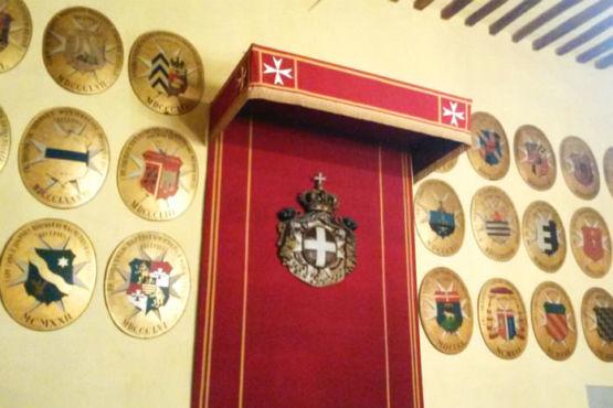 Stemma Cavalieri di Malta al castello di Magione
