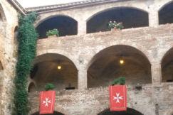 Castello di Magione - cortile