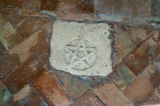 Pentacolo nel Tempio di Sant'Angelo