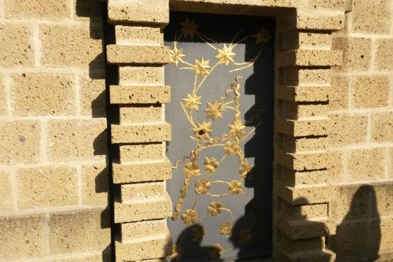 Porta con decorazione di stelle - Scarzuola