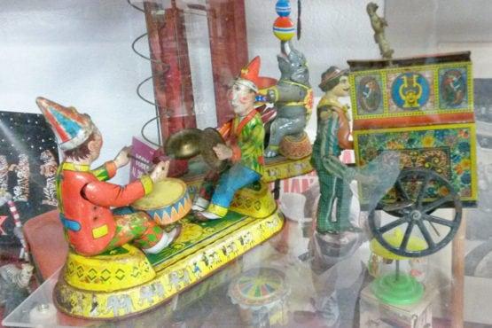 pupazzi-circo-latta-museo del giocattolo