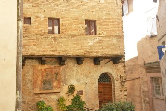 casa-medievale-trevi