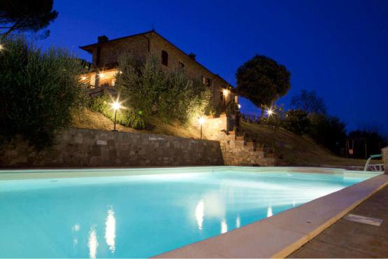 agriturismo con piscina Perugia